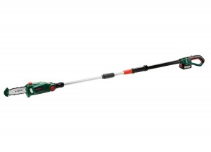 Bosch UniversalChain 18 Cordless 18v Pole Saw 20cm/8in with Battery