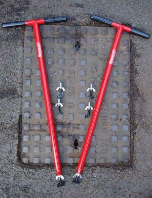 Mustang Mini-Lift XL Manhole Cover Lifters (Pair)